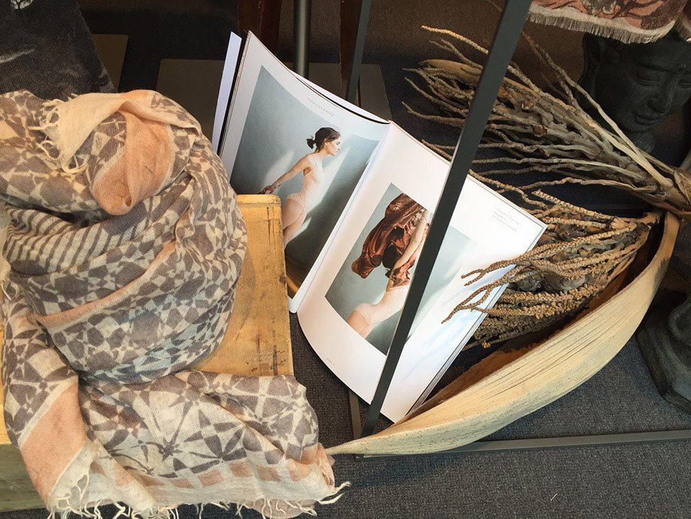 Kollektion Exhale von Friendly Hunting bei Baltzer Moden Marburg, Felted Stole Crystal print