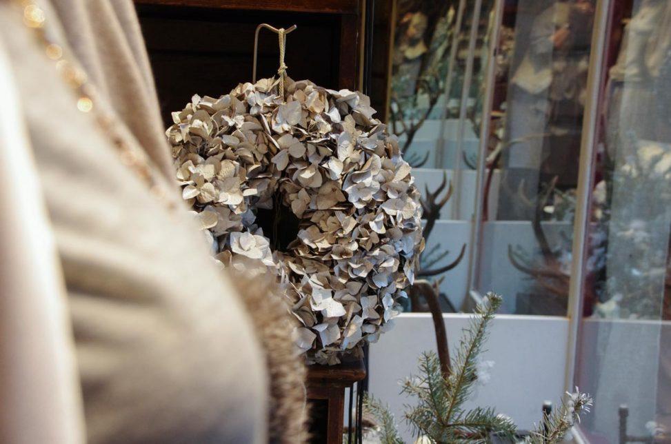 Baltzer Moden Marburg, Winterdekoration, Cashmere Pulli von Friendly Hunting