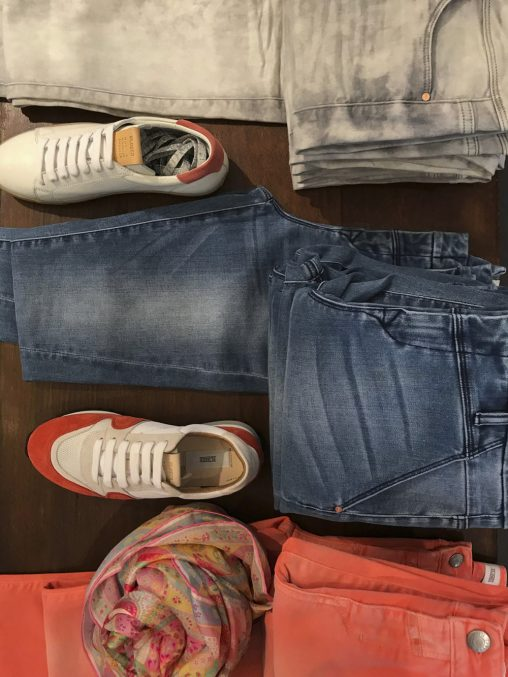Dawn Denim und Closed Jeans, Sneakers von Closed bei Baltzer Moden Marburg