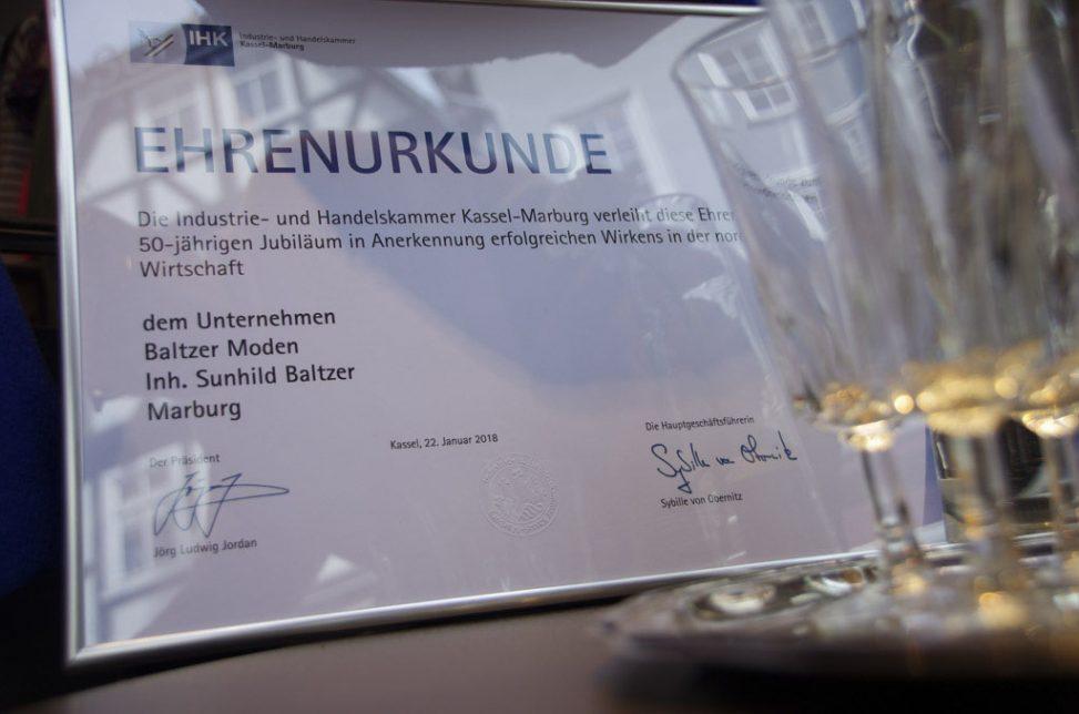 Ehrenurkunde 50 Jahre IHK Mitgliedschaft Baltzer Moden Marburg
